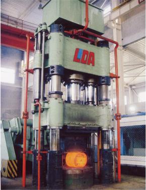 2000吨自由锻造油压机